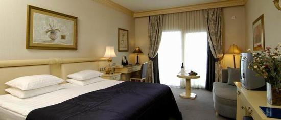 Rocks Hotel Casino: Deluxe Room