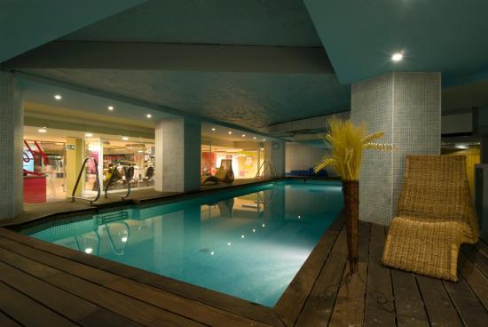 Courtyard Madrid Princesa : Swimming Pool at Husa Princesa Madrid