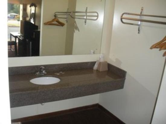 Kings Inn Motel: Other Hotel Services/Amenities