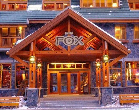 The Fox Hotel & Suites