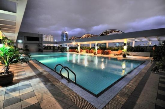 Aston at Kuningan Suites: Pool