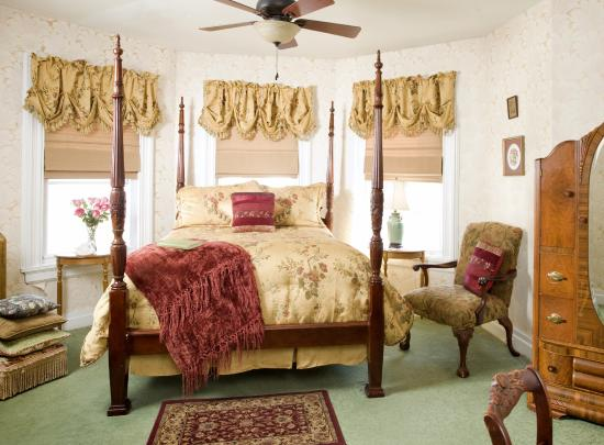 ويسلينج سوان إن: Great Meadows Room
