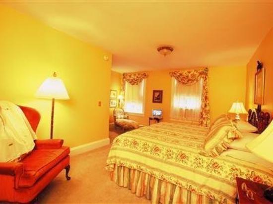 William Seward Inn : Bedroom