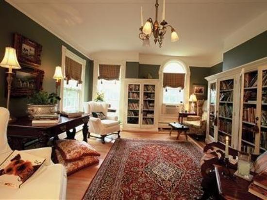 William Seward Inn : Interior