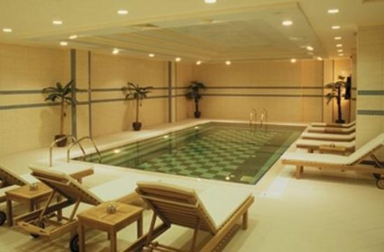 Kervansaray Otel: Pool Offsite