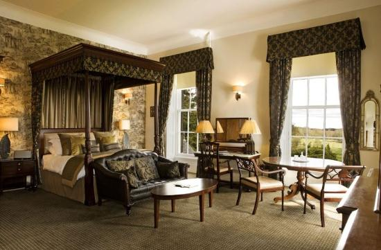 Meldrum House Country Hotel & Golf Course: Deluxe Bedroom