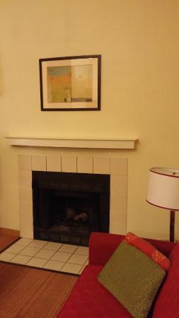 Residence Inn Hartford Windsor: Residence Inn Hartford / Windsor  @ 100 Dunfey Lane, Windsor, CT 06095