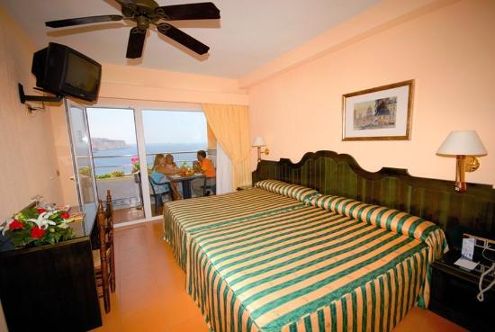 Diverhotel Aguadulce: Room