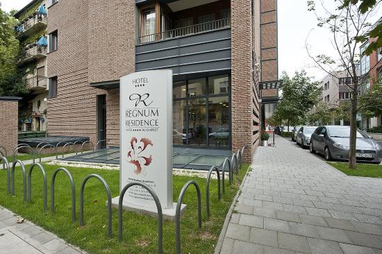 Hotel Regnum Residence: Exterior