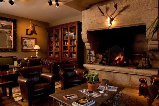 Hotel Spa Relais & Chateaux A Quinta da Auga: Sitting Room