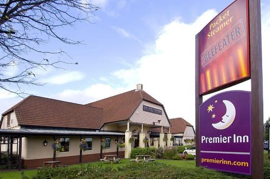 Premier Inn Liverpool North Hotel: Exterior