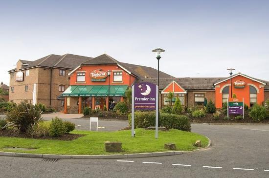 Premier Inn South Shields Port Of Tyne Hotel: Exterior