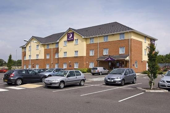 Premier Inn Swindon Central Hotel: Exterior