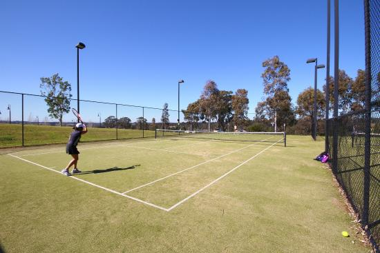 Chateau Elan Hunter Valley: Tennis Courts