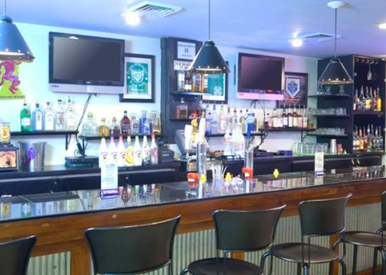 Four Points by Sheraton Kansas City - Sports Complex: Paddy O  Quigleys bar