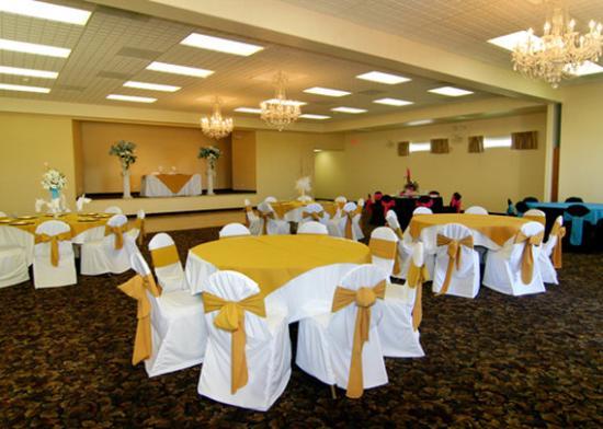 Quality Inn: Banquet room