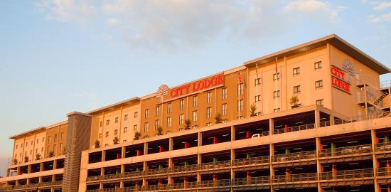 City Lodge Hotel OR Tambo Airport: Exterior View
