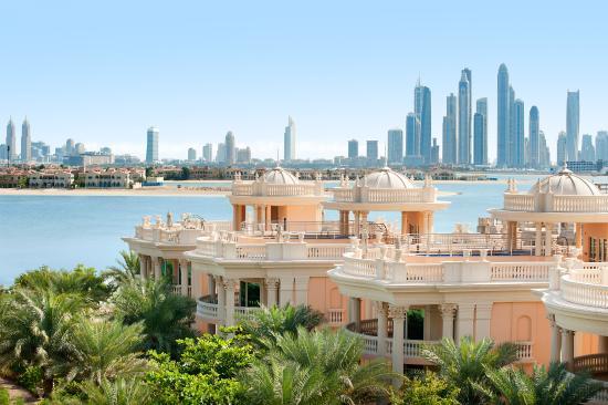 Kempinski Hotel & Residences Palm Jumeirah: Villas and Dubai skyline view