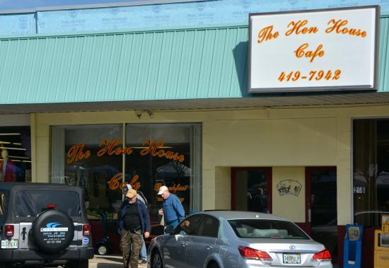 The Hen House Cafe: Popular Breakfast Spot