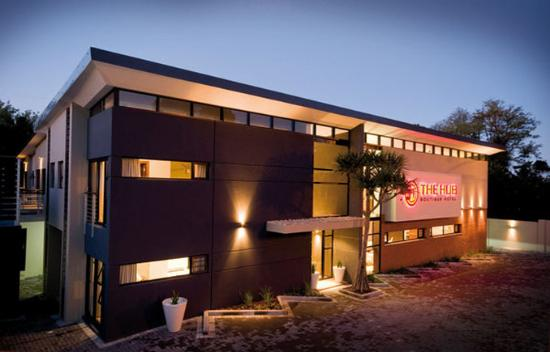 The Hub Boutique Hotel: The Hub at night
