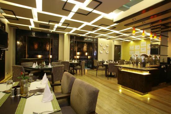 juSTa Gurgaon: Restaurant