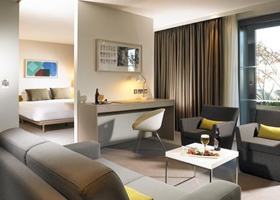 The Gibson Hotel: Bedroom Suite
