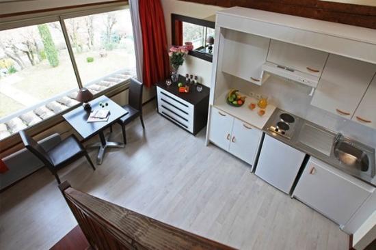 Hotel Le Logis du Chateau : Kitchen