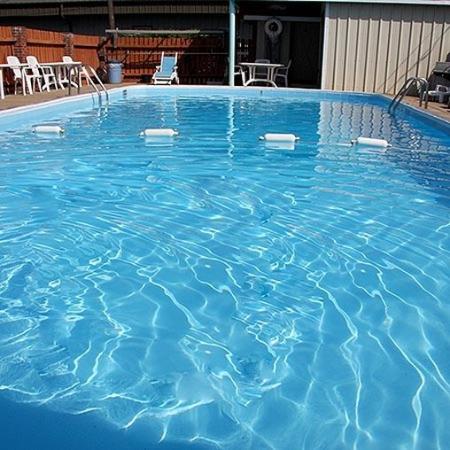 Regency Inn Eddyville Pool