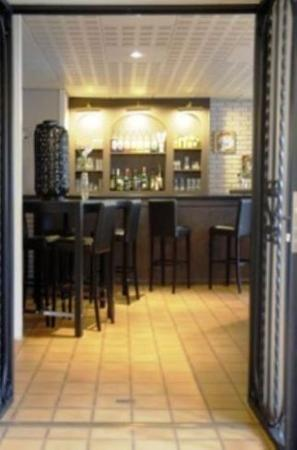 P'tit Dej-Hotel Valence: Bar