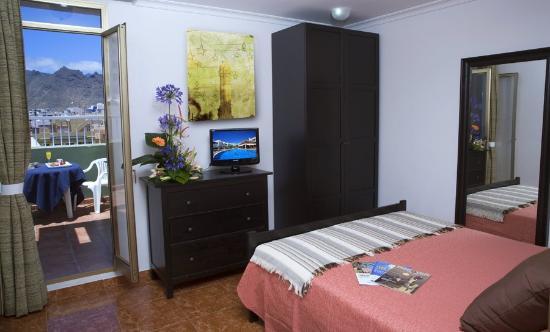Hotel Adonis Capital: Room