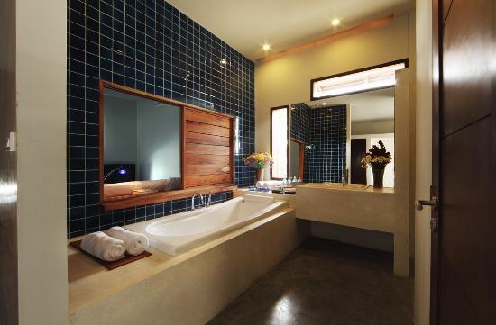 Luang Prabang View Hotel: Bathroom