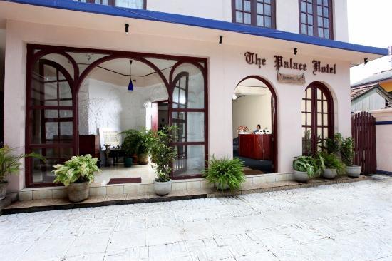 Palace Hotel: Exterior