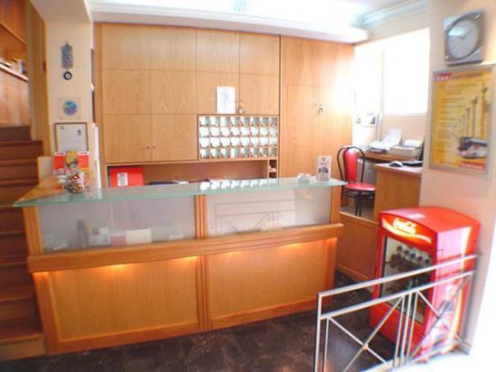 Hotel Carolina: Lobby View