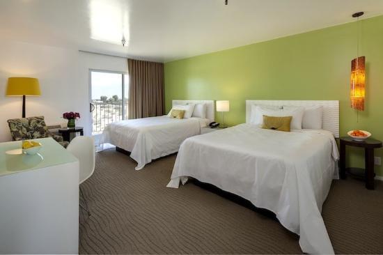 Aqua Soleil Hotel & Mineral Water Spa: Aqua Soleil Guest Room Double Queen Green V
