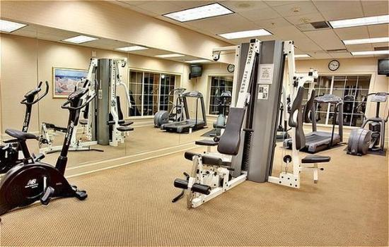 Holiday Inn Lethbridge: Come Work out in our Fitness Room