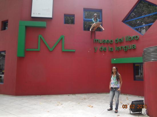 Museo del Libro y de la Lengua