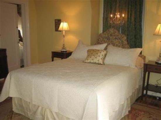 Hilltop House  Bed & Breakfast: Other Hotel Services/Amenities