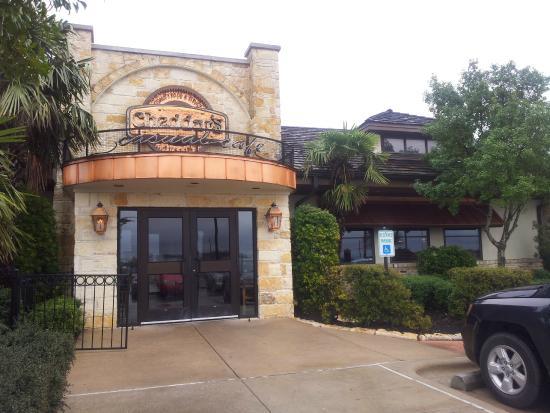 Cheddar's: Entrance