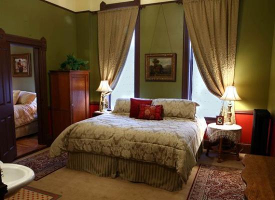 Martin Mason Hotel: Room