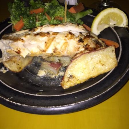 Great fish entree mahi mahi photo de seven fish key for Seven fish key west fl