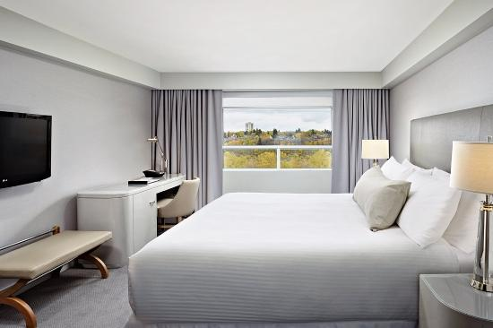 The James Hotel: James Classic Guestroom