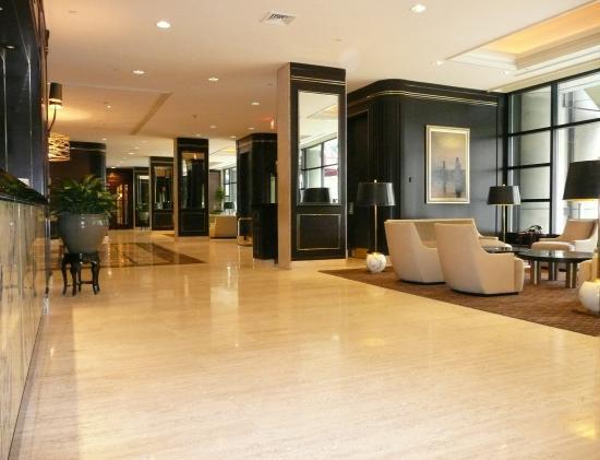 Colonnade Hotel: Hotel Lobby