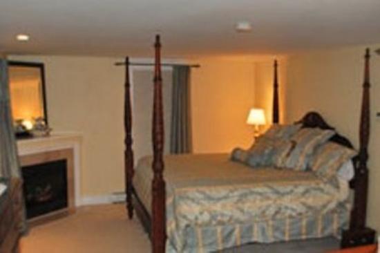 Cranmore Inn Deluxe Room