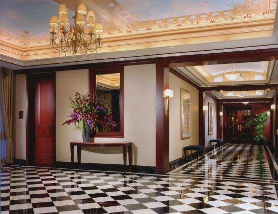 Colonnade Hotel: Huntington Foyer