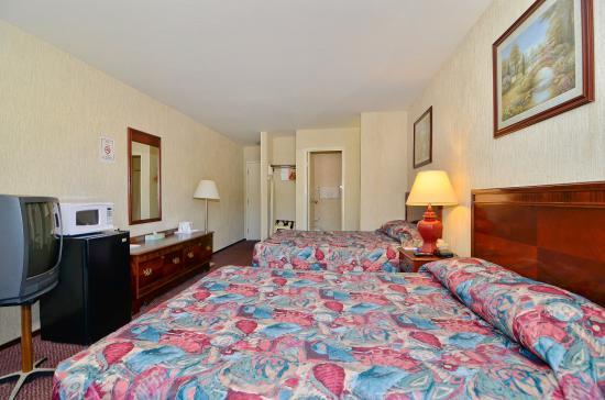 Americas Best Value Inn of Novato: Double Beds