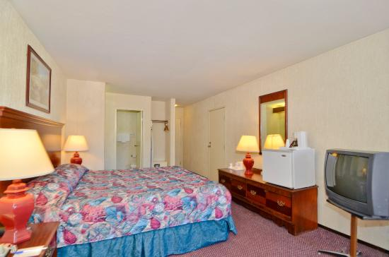 Americas Best Value Inn of Novato: Guest Room