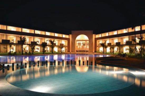 Sun Hotel: Pool