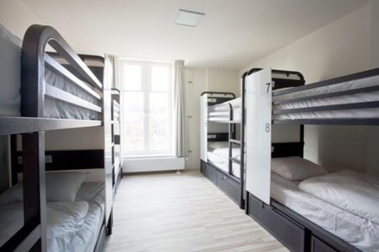 Generator Hostel Hamburg: Guest Room