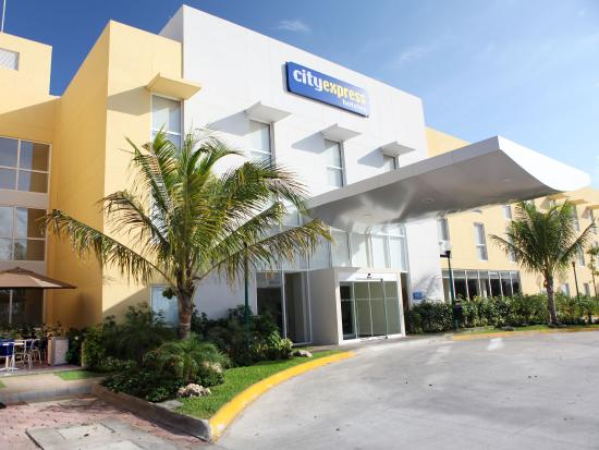 City Express Playa del Carmen: Cityexpress Playa Del Carmen Fachada Principal
