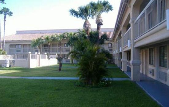 Photo of Plaza Inn & Suites Harlingen